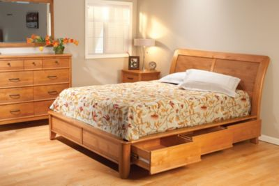 Whittier Wood Pacific 4-Piece Queen Storage Bedroom Set