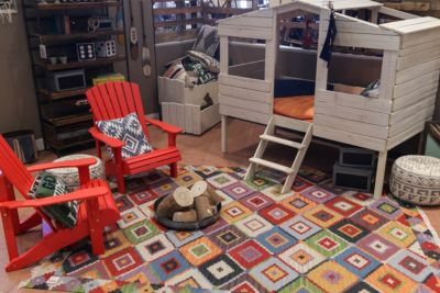 Kids camping room